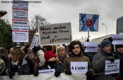 Protests about the reformulation of levothyroxine pills